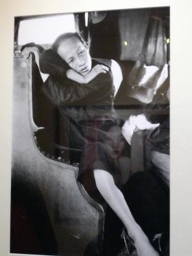 femme dans le train