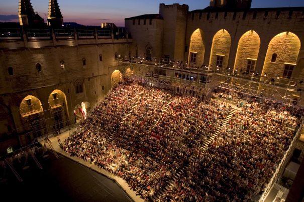 In et Off d'Avignon : une symbiose des dates incontournable
