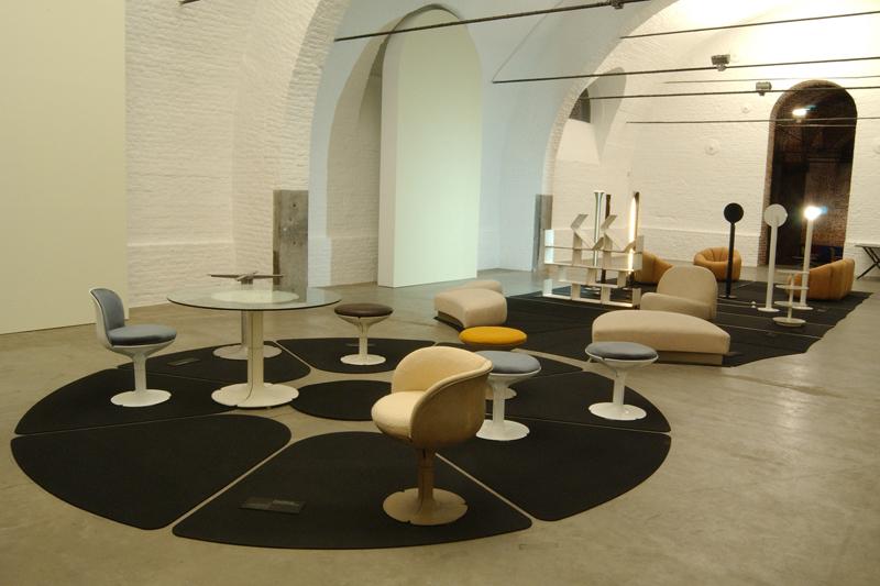 le designer pierre paulin est mort retour visuel sur son oeuvre toutelaculturele designer. Black Bedroom Furniture Sets. Home Design Ideas