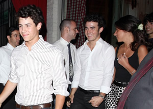 kevin-jonas-engagement-party