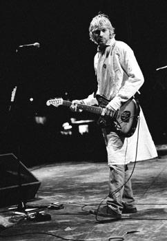 cobain-reading-92
