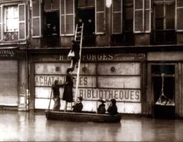 Rue de Seine. Courtesy Editions du Mécène