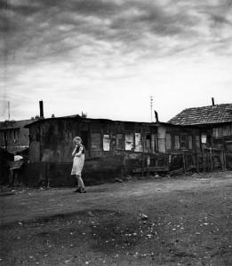 doisneau-bidonville-o-ivry-1946