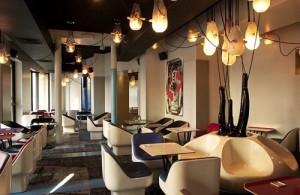 plongez dans l 39 ambiance sex and the city au caf etienne marcel toutelaculture. Black Bedroom Furniture Sets. Home Design Ideas