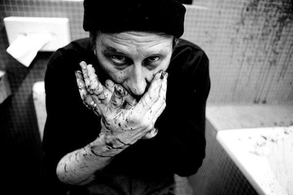 Critique de Kill Me Please : pur concentré de Belgique, un film noir glacial