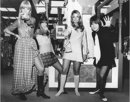 25 novembre «Toutes en jupe !» : des crinolines à Mary Quant, un vêtement emblématique