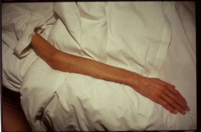 6-nan-goldin-gilles-arm-1993