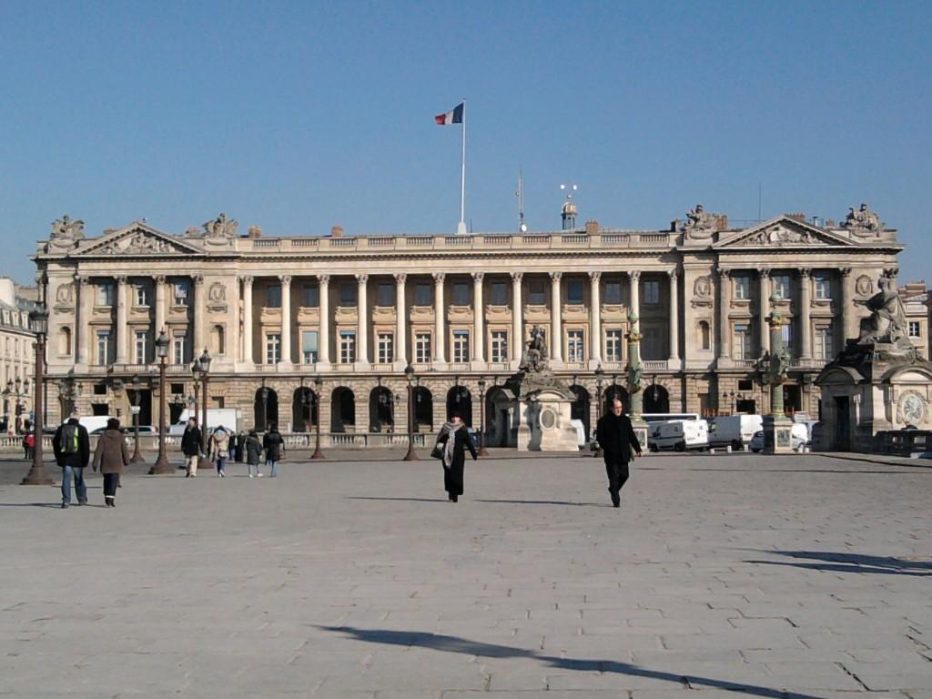 Valery Giscard D'Estaing peut-il sauver l'Hôtel de la Marine?