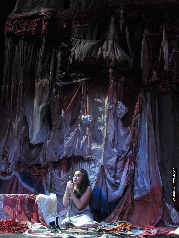 La Voix Humaine : Stéphanie d'Oustrac magistrale dans la dépendance selon Cocteau et Poulenc