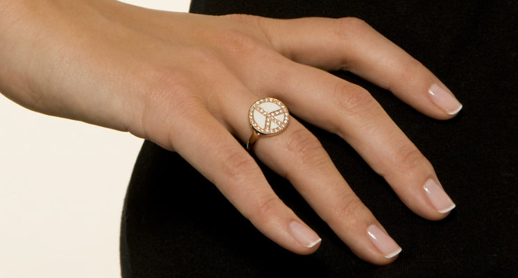 Avec Bysydney.com, personnalisez vos bijoux en ligne