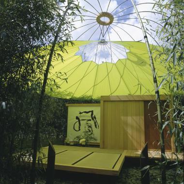 le bon march accueille la maison de th de charlotte. Black Bedroom Furniture Sets. Home Design Ideas