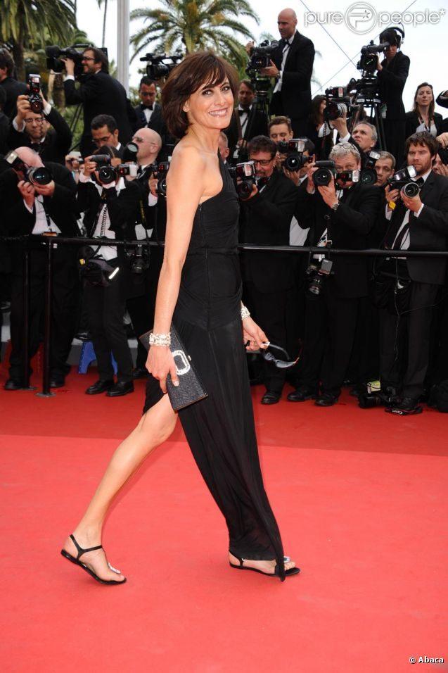 Look du jour : Inès de la Fressange et ses sandalettes à Cannes