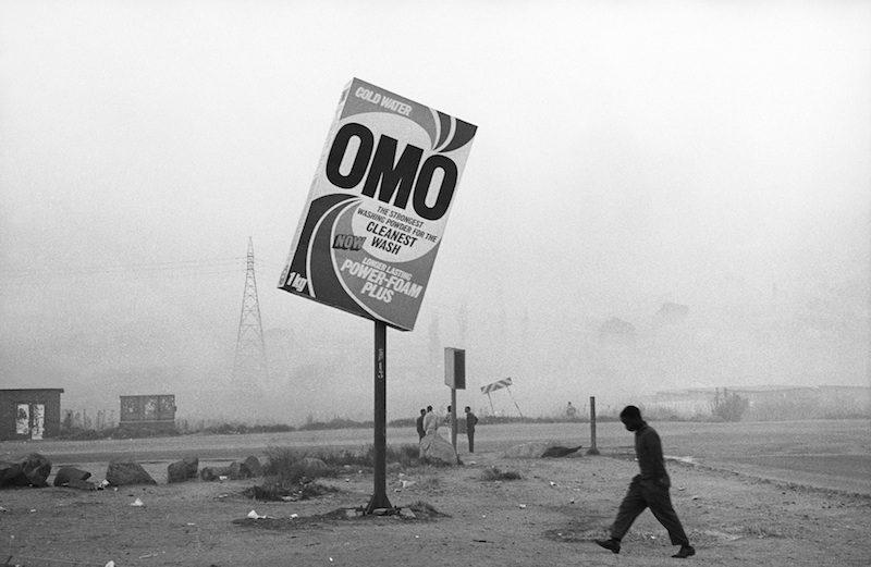 La part d'ombre photographique du peuple noir et blanc par Santu Mofokeng au Jeu de Paume