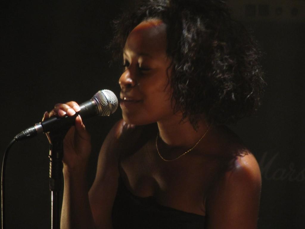 Live Report: The Two révèle FM Laeti au Café de la danse le 9/06/2011