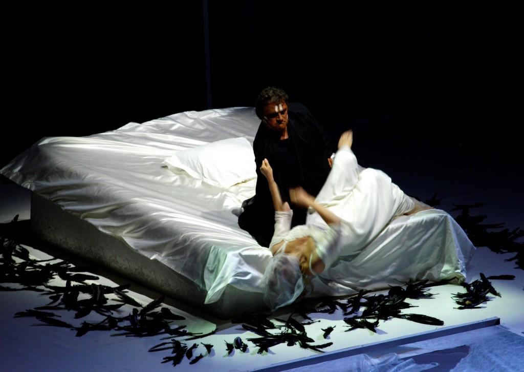 Otello de Verdi : Renée Fleming illumine la scène de l'Opéra Bastille