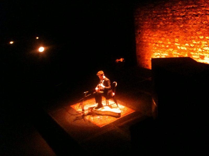 Live Report : Miloš fait rêver un public attentif au Café de la Danse (07/07/2011)