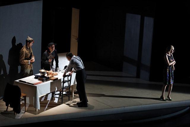 Marcial di Fonzo Bo et Elise Vigier montent «L'entêtement» entre fiction historique, polar et comédie noire