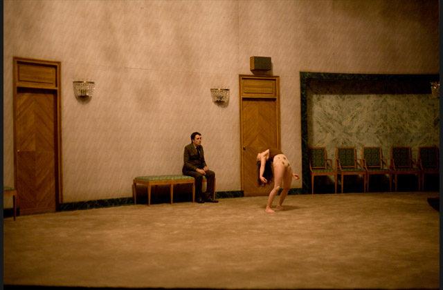 Arthur Nauzyciel met en scène la quête déterminée de Jan Karski témoin de la Shoah