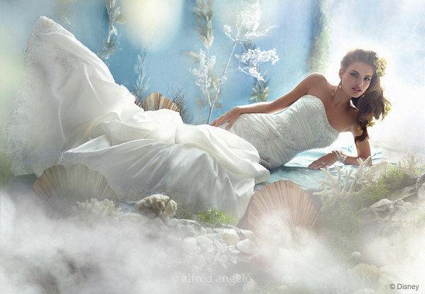Disney se lance dans la robe de mariée