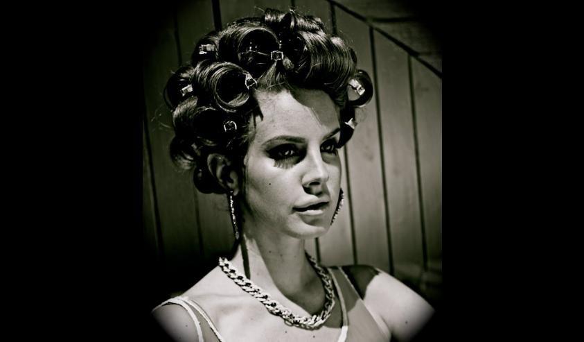 Lana Del Rey, la petite fille triste aux belles chansons fait le buzz