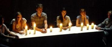 <em></noscript>Les Vagues</em>, ou comment saisir le flux du temps au Théâtre de la Colline
