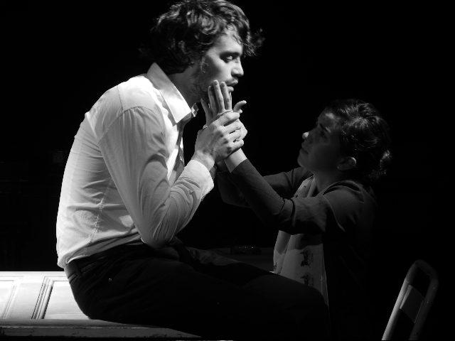 <em></noscript>BLANC</em> Ou la poésie singulière des êtres marginaux et solitaires au Théâtre de la Loge
