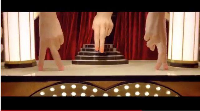 «Jeux de mains, jeux de vilains chez Chanel»