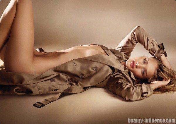 Je suis toute nue sous mon trench…la campagne du parfum Burberry a commencé