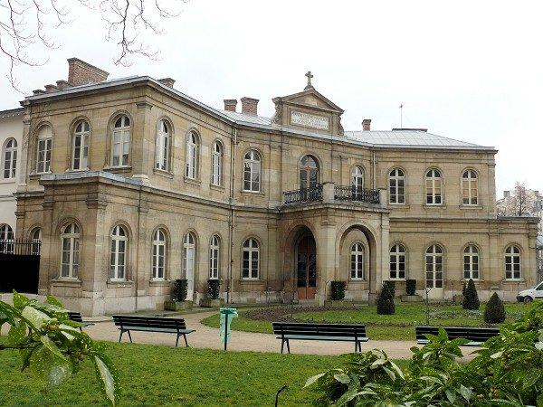 L'art contemporain investit la fondation Eugène Napoléon pour les journées du patrimoine.