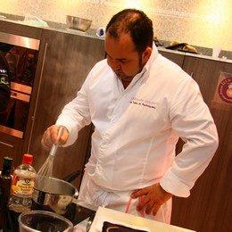Le chef étoilé Christophe Girardot compose un menu spécial pour les cantines bordelaises