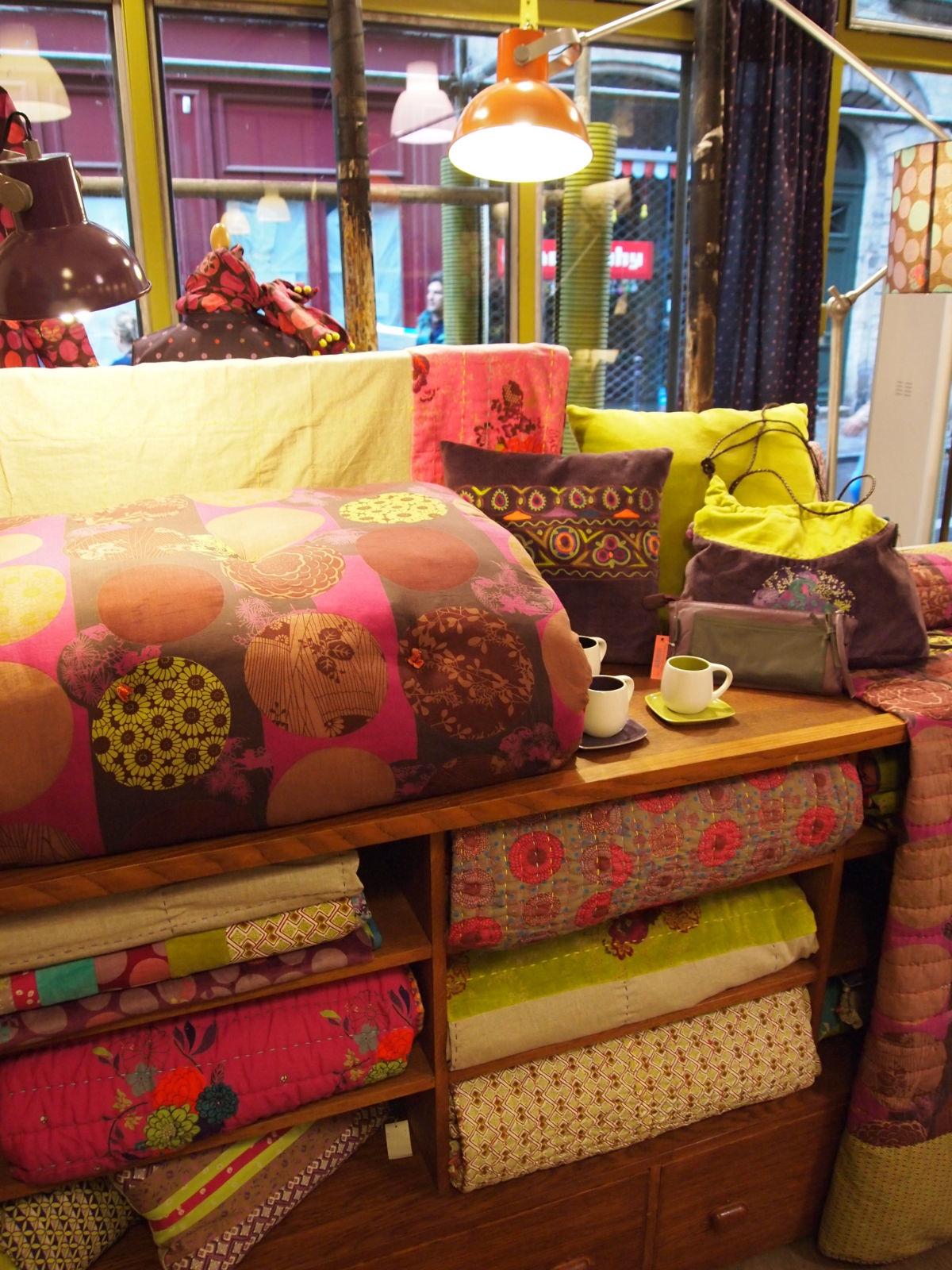 baobab nous couvre de fleurs toutelaculturebaobab nous couvre de fleurs. Black Bedroom Furniture Sets. Home Design Ideas