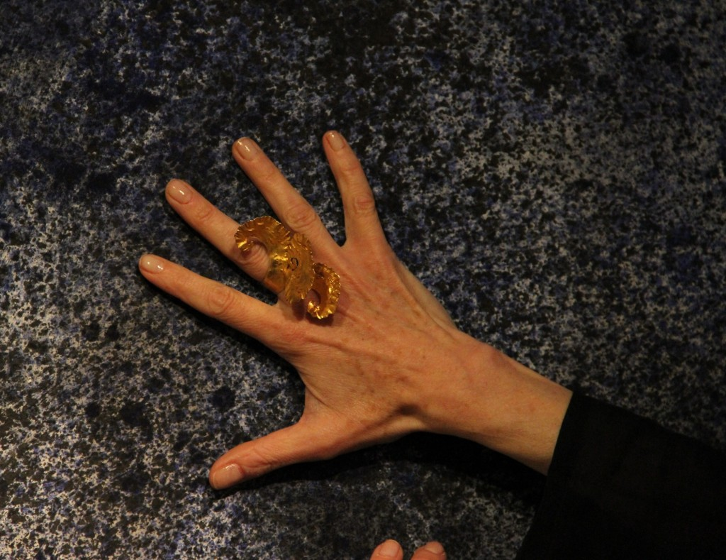 Transpositions : Bijoux en bronze, encres de chine et danse