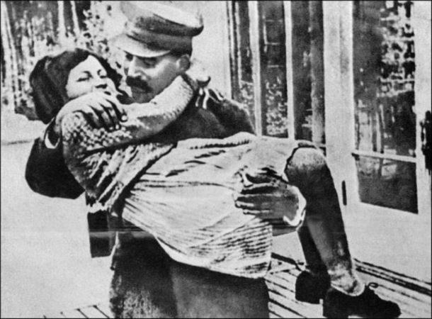 Svetlana Allilouïeva, la fille de Staline disparaît à l'âge de 85 ans
