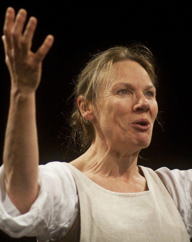 Nathalie Becue est magistrale en Apprentie sage-femme