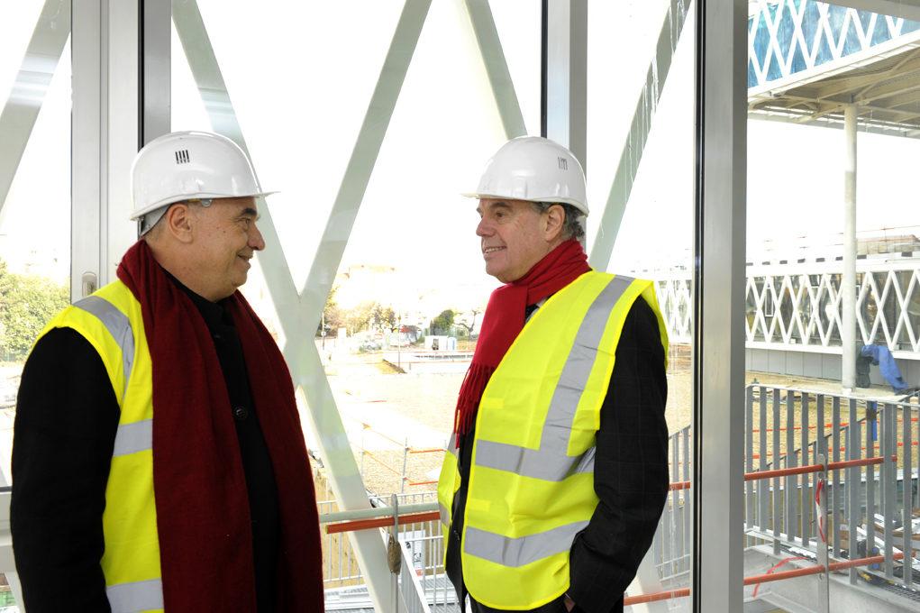Première visite de Frédéric Mitterrand au chantier des Archives Nationales à Pierrefitte