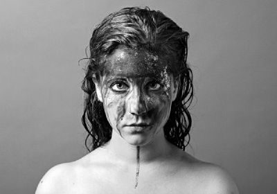 Anna Aaron : pop-folk conteuse et hantée
