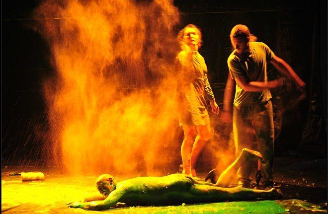 Les souffrances de Job, une mise en scène inventive d'un texte fort d'Hanokh Levin au Théâtre de l'Odéon (Ateliers Berthier)