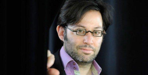 Oscar Strasnoy : C'est l'ambiance qui se dégage d'une œuvre qui rend son adaptation possible