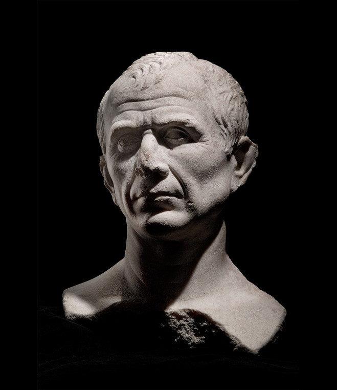 Arles : 25 ans de fouilles du Rhône au Louvre