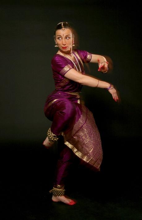 Kalpana dans Femmes Jasmins, Compagnie Hamsasya © Y.Cormier