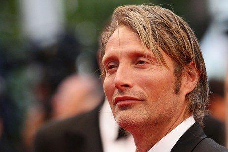Le charismatique Mads Mikkelsen devient… Hannibal Lecter !