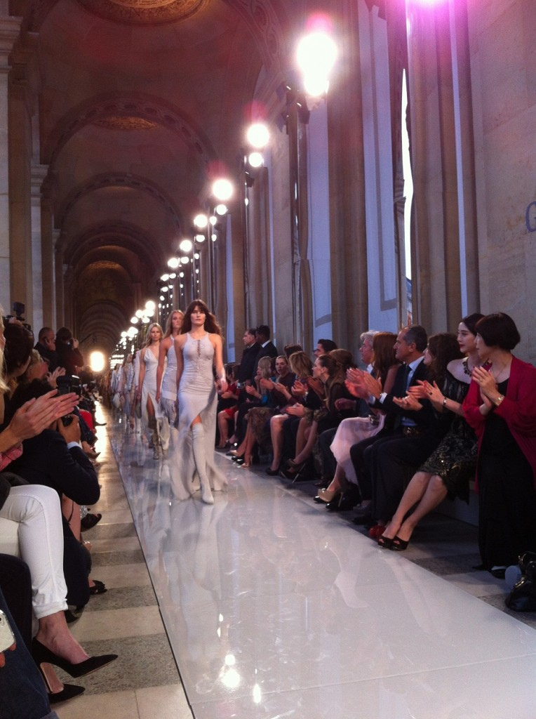 [Live-Report] : Salvatore Ferragamo défile au Louvre (12/06/2012)