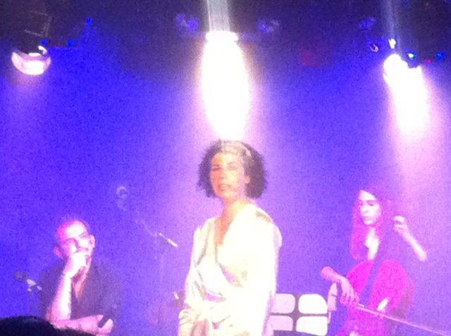 [Live-Report] : Raissa Lahcine chante ses bulles de vie au Sentier des Halles (06/06/2012)