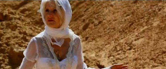 Le clip nul de la semaine : une blonde dans le désert.