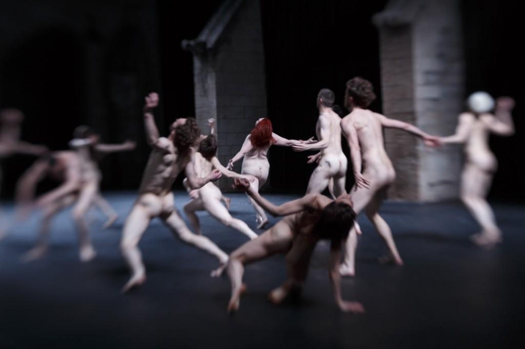 Olivier Dubois clôt le Festival d'Avignon sur une Tragédie hypnotique