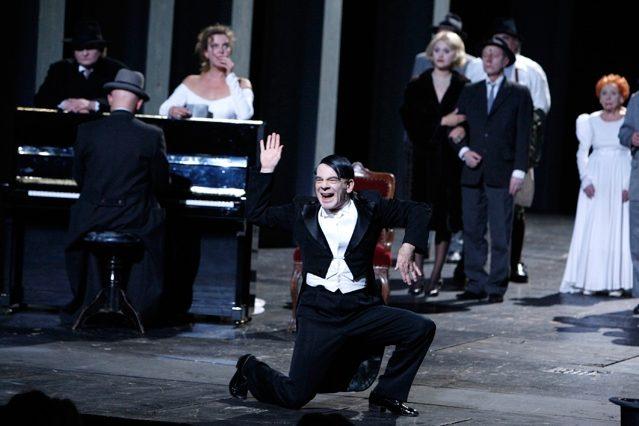 Arturo Ui par le Berliner Ensemble, première parisienne d'un spectacle historique