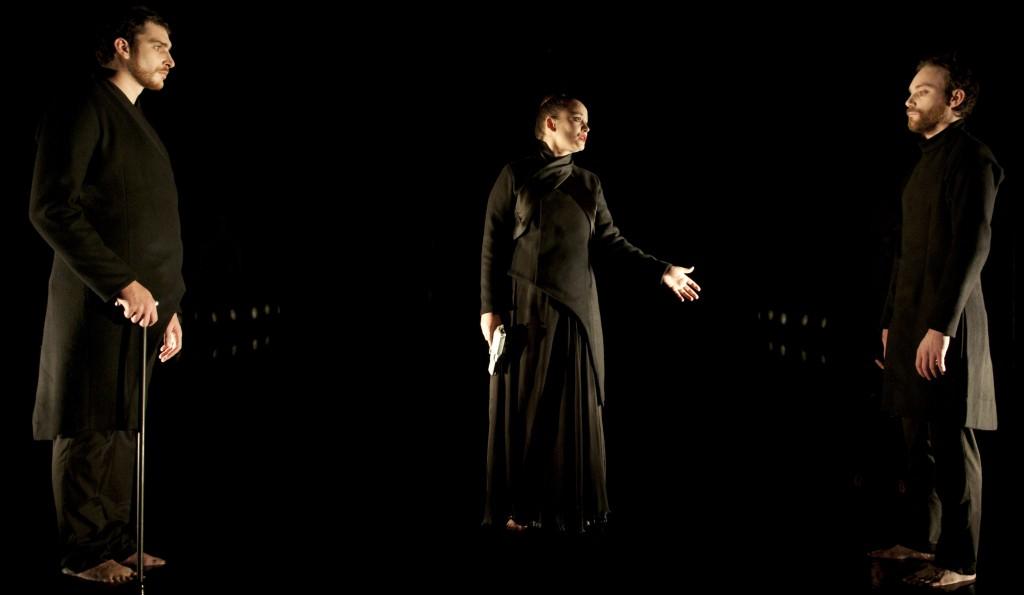John and Mary : Thomas Bouvet fige à l'extrême la pièce de Pascal Rambert