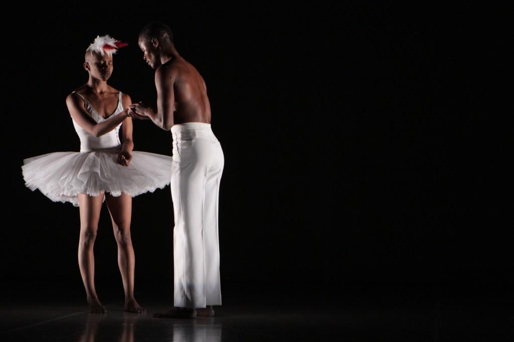 <em></noscript>Swan Lake</em> de Dada Masilo : une greffe africaine enthousiasmante au pays des ballerines