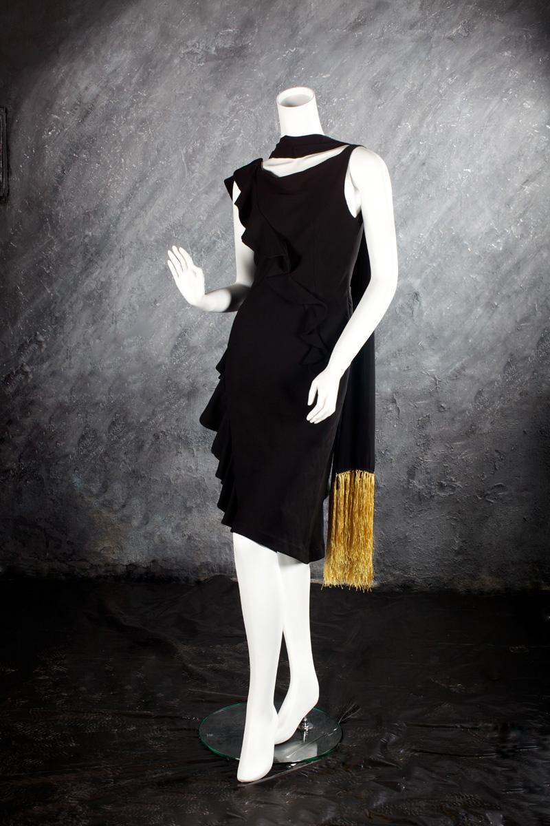 Sofia : robe en crêpe coupée dans le biais garnie de volants escargots