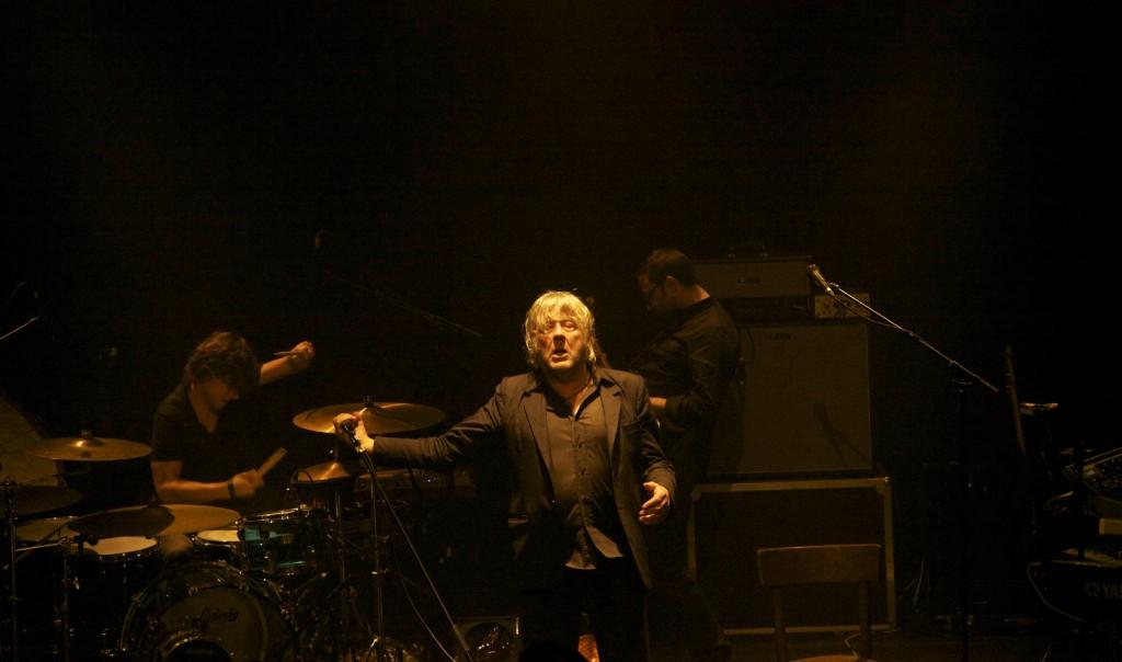 Si c'est un Homme, Arno chante la vie (Interview vidéo et Live report)